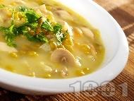 Рецепта Супа от гъби и грах със застройка от жълтък
